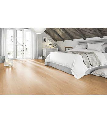 Parquet laminado de roble livingston marrón MF4647 de Egger Megafloor de la serie M2 en un ambiente de habitación con mucho detalle.