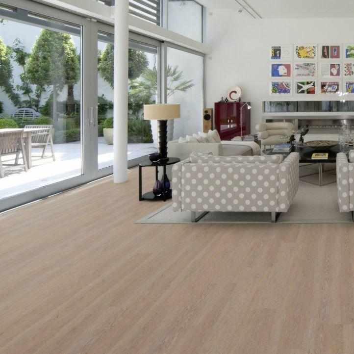 Suelo de corcho Wise Wood SRT contempo rust EAUC001 en un ambiente de habitación.
