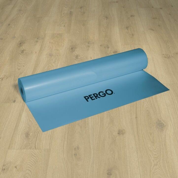 Base aislante Pergo especial para vínilio rigido. De 2mm de grosor y optimizada para instalaciones de refrigeración y calefacción por suelo radiante.