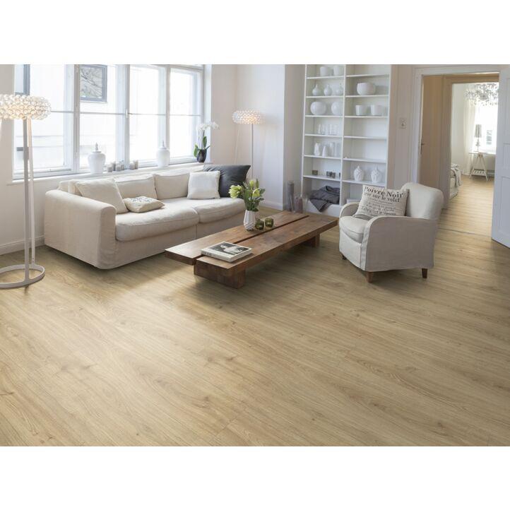 Parquet laminado roble denver natural de Egger Home en un ambiente de habitación. Código EHL162.