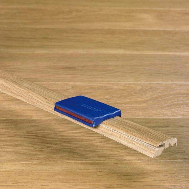 multiperfil a juego con el suelo laminado