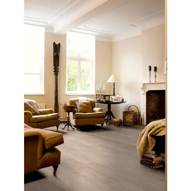 Parquet laminado de ROBLE BLANQUEADO BLANCO CLM1291 de la marca Quick-step de la serie CLASSIC en un ambiente de habitación.