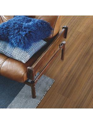parquet laminado roble de tasmania de la marca pergo de la serie living expression sensation resistente al agua superficialmente l0239-04317 en habitación.