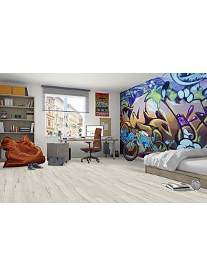 Suelo laminado  LARGE PINO ALAND EHL026 - 2v de Egger Home en vista habitación.