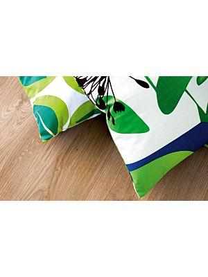 suelo laminado de la marca pergo de la serie original excellence roble natural L0201-01804 en vista de detalle.