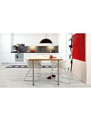 parquet laminado de la marca pergo de la serie living expression roble matinal L0301-03364 en un ambiente de habitació.