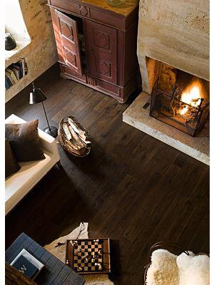 Parquet laminado de roble blanco natural viejo de la marca quick-step de la serie elite en un ambiente de habitación.
