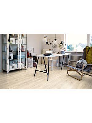 Parquet vinílico de la marca Pergo roble claro natural V2107-40021 de la serie premium en un ambiente de habitación.