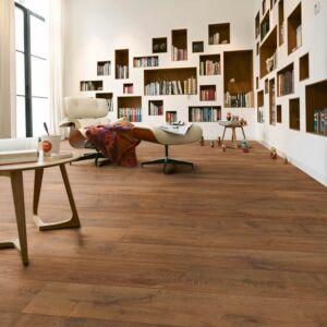 Suelo laminado SUELO LAMINADO MELANGO LD 300|20 Roble marrón 6036 en ambiente de habitación
