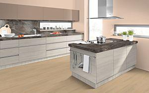 Parquet laminado ROBLE WIDFORD NATURAL EHL104 - 2v de Egger Home de la serie Kingsize  en un ambiente de cocina.