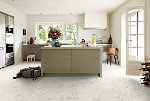 Parquet laminado diseño imitación mineral en tono blanco de EGGER HOME EHL137