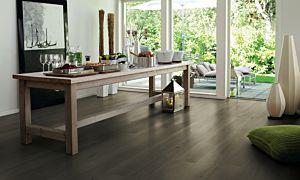 Parquet laminado de la marca pergo de la gama original excellence pizarra carbón vegetal L0220-01778 en un ambiente de habitación.