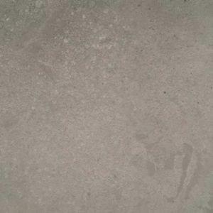Suelo vinílico de la marca LIBERTY hormigon finisterre EBD-143-48 de la serie liberty top 30 en muestra al detalle.