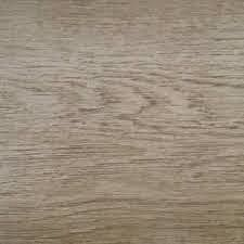Suelo vinílico de la marca LIBERTY Roble marrón tahull EBD-231-55 de la serie liberty top 30 en muestra al detalle.