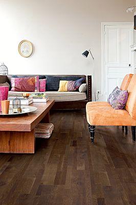 Parquet de madera natural de Quick-Step de la colección massimo mas1631S Roble gris royal aceitado en un ambiente de habitación.