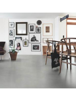Parquet vinílico de la marca Pergo cemento gris suave V3120-40139 de la serie optimum en un ambiente de cocina.
