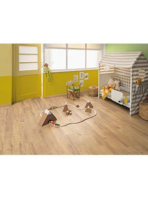 Parquet laminado de roble Brook Marrón EHL021 de Egger Home en un ambiente de habitación.