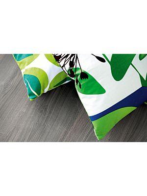 parquet laminado de la marca pergo de la serie original excellence roble gris oscuro L0201-01805 en un ambiente de habitación.