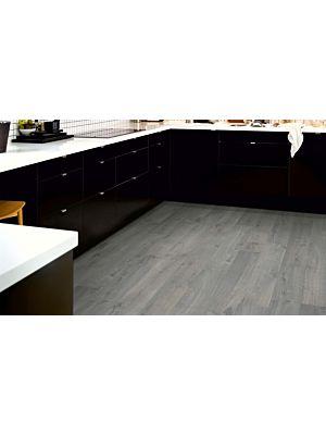 parquet laminado roble gris urbano de la marca pergo de la serie living expression sensation resistente al agua superficialmente l0331-03368 en un ambiente de habitación.