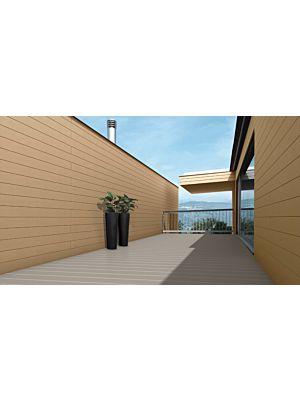 Exterior cdeck de carbono-cork en lama alveolar de color beige rosado en ambiente de terraza exterior.