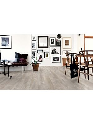 parquet vinílico de la marca Pergo roble rio gris V3131-40084 de la serie optimum en un ambiente de habitación.