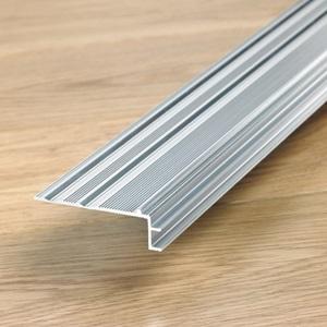 subperfil de aluminio Incizo para escaleras